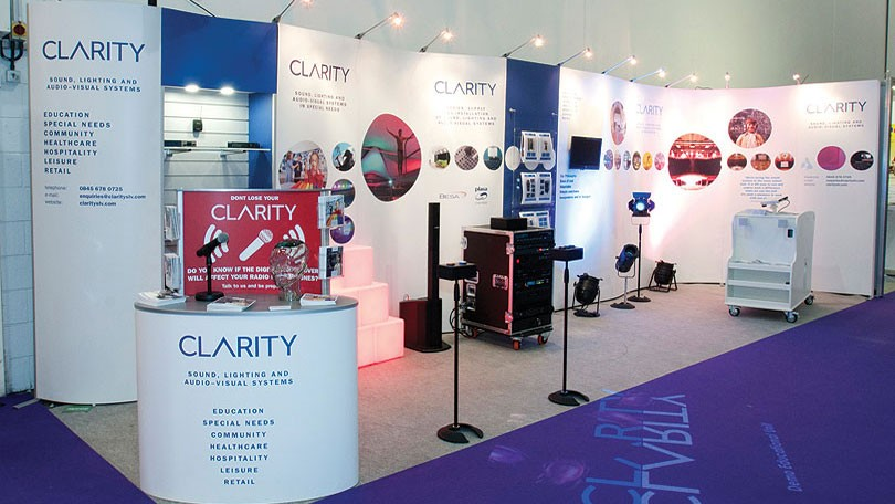 Flexible Exhibition Stands : Isoframe wave modular exhibition stand